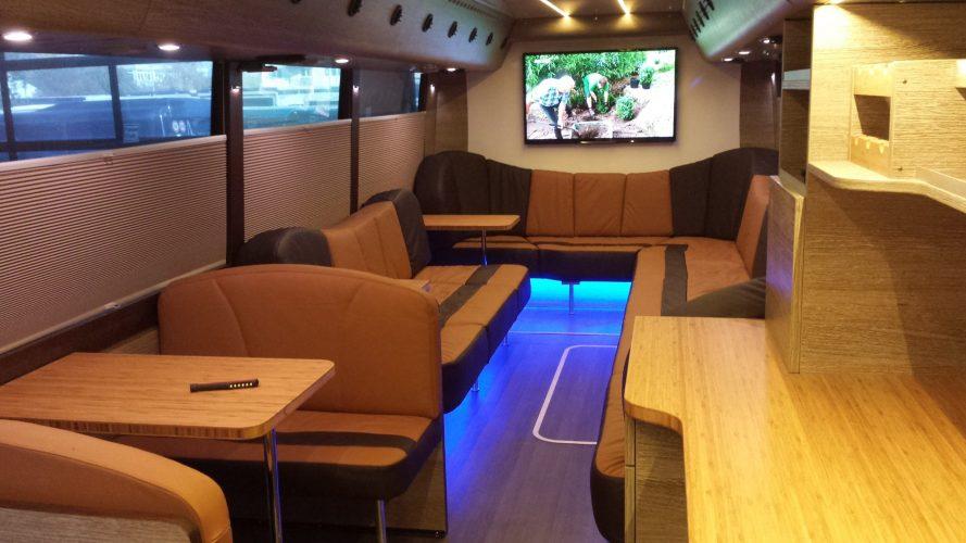 salon arrière tourbus Absolute Touring France